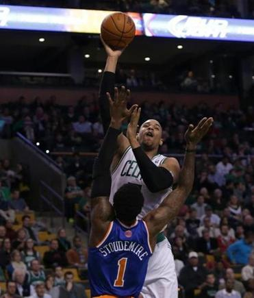 Jared Sullinger, who had 19 points on 6-of-9 shooting, was head and shoulders above the Knicks' Amare Stoudemire.